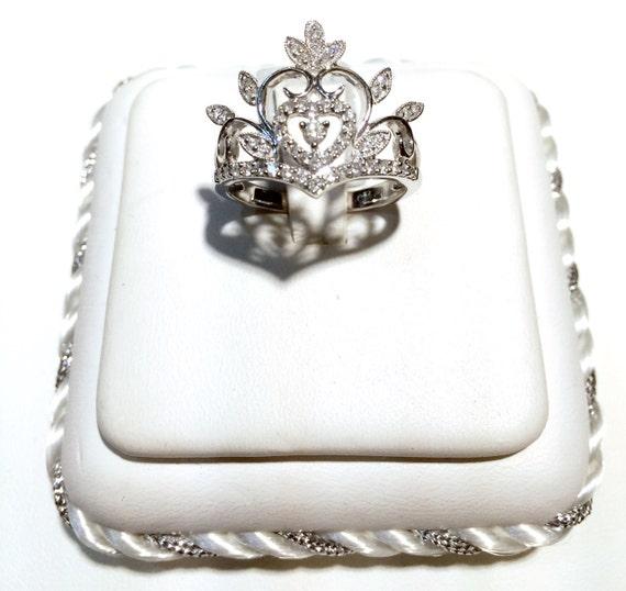 18k white gold tiara crown ring 1 2carat of