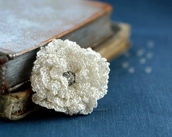 White crochet flower brooch,  accessory