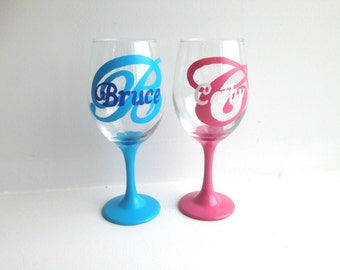 Initial wine glasses etsy for Painted wine glasses with initials