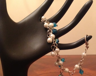 Beautiful glass pearl and Crystal bicones bracelet