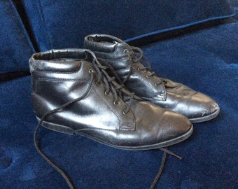 Black leather ankle boots sz 7.5
