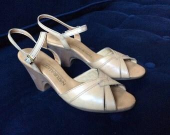 Beige 1960s sandals sz 10-10.5 Narrow