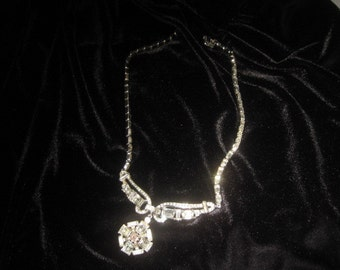 Vintage rhinestone costume necklace; fancy and gorgeous flower center