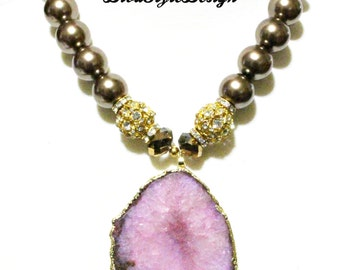 Pearl Elegance with Rose Agate Pendant Statement Necklace