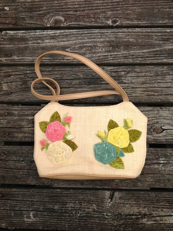 SALE // Vintage 90s woven handbag, small purse, tan, with colorful velveteen rose flowers