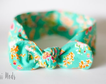 Green Posy Floral Top Knot Headband / Baby Headband / Knot Baby Headwrap / Green Headband / Tie knot Turban Headband / Baby Shower Gift