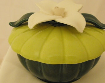 Vintage Candy Dish Dark Green Bottom Pea Green Top with White Flower  (289)