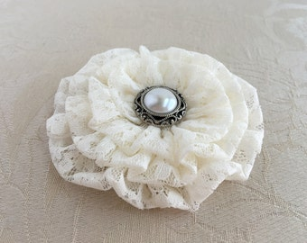 Ivory Lace Flower Hair Clip.Brooch.Pin.Lace Bridal Headpiece.bridesmaid.Ready to ship.ivory lace headpiece.ivory lace flower hair.hairpiece