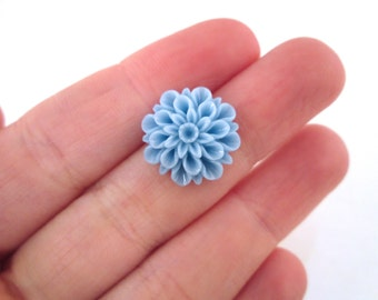 light blue 15mm mum flower cabochons, low profile cute chrysanthemum cabs