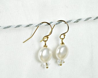 Pearl Bridal Earrings, Swarovski Pearl and Crystal Earrings, Wedding Jewelry, White Coin Pearl Earrings, Gold Earrings, Drop, Simple, Modern