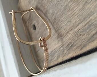 B U C K L E  < Gold buckle bracelet, rope texture, hammered U shape >