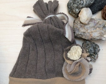 Girls 3T to 8 Up Cycled CASHMERE hat Tan Camel Cream colored Cashmere Beanie