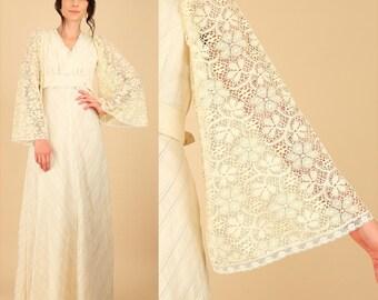 ViNtAgE 70's LACE Boho Maxi Dress // Angel Wing Lace // Alternative Hippie Wedding Bell Sleeve Empire Cotton Cream Summer Small Medium S M