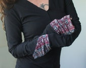 V-neck top/extra long sleeves/Black with Paisley cuffs