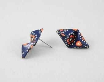 Geometric Origami Stud Earrings,Origami Jewellery,Pyramid Stud Earrings,Geometric Jewelry,Paper Jewelry,Paper Anniversary Gift,Origami Art
