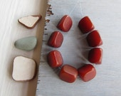 brown red triangle  resin bead  mix, opaque semi matte ,   faux amber indonesian resin beads 17mm  ( 8 beads ) 6bb19-1