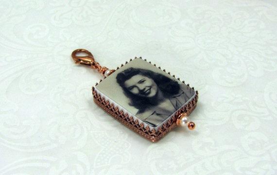 Photo pendant framed in a Copper, Classic style bezel - Medium - FP2C-Cu
