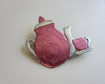 Teapot and tea cup pin brooch in pink and silver