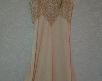 Vanity Fair Full Slip - Size 34 Tall - Pale Irish Cream Color - Lavish Lace Slip - 1960s Vanity Fair Lingerie - Vanity Fair Nightgown