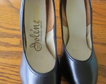 Vintage Jolene leather stilettos,black size 6 N, made in USA, never worn
