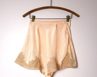 1930s Silk Tap Panties Pale Peach XS