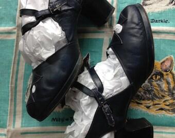 1940's navy peep toe platform sandals 9 1/2 B