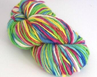 Hand dyed wool yarn. 250g Corriedale slub, thick 'n' thin aran/bulky weight wool yarn for knitting, crochet, felting, dreadlocks, dreading.