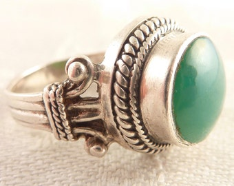 Vintage Size 6.5 Round Blue Green Glass Elegant Sterling Ring