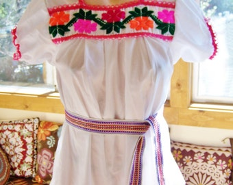 Mexican Blouse Embroidered XS