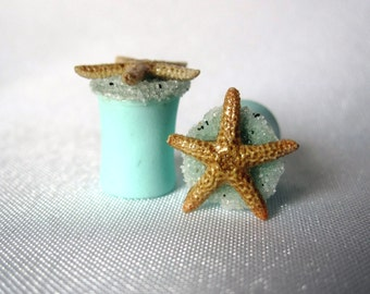"Pair of Real Starfish on Seafoam Green Plugs with Real Beach Sand - Handmade Girly Gauges - Size 2g, 0g, 00g, 7/16"", 1/2"", 9/16"", 5/8"""
