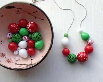whoville necklace - vintage lucite
