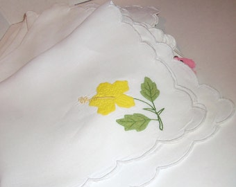 10 Vintage Linen Napkins Yellow Floral HIBISCUS Applique Embroidery 16""