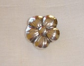 Vintage Danish Silver Flower Button - very attractive Silver Button - no backmarks