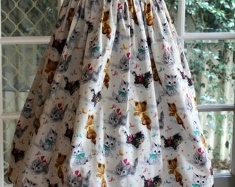 1950' s  Styled Gathered Skirt . Kittens at play