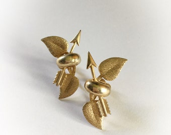 Vintage Gold Tone Metal Leaves and Arrows Earrings Screw Backs