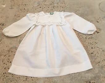 Girls Vintage Paper White Dress - Little Girl Dress - White Cotton and Linen with Battenburg Lace Collar - Flower Girl - Sweet Cute - Size 6