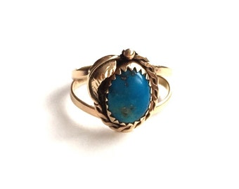 V I N T A G E // deep blue and pyrite turquoise / 14k yellow gold ring with turquoise / size 5.5