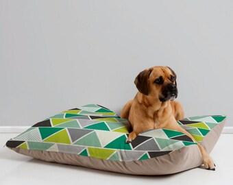 Modern Geometric Dog Bed Pillow // Pet Bedding // Animal Pillow // Pet Bed // Pet Cushion // Emerald Triangulum Geometric Design // Green