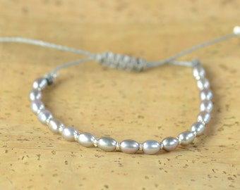 Sterling silver and grey pearls bracelet