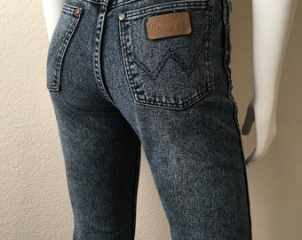 Vintage Women's 80's Wrangler Jeans, Acid Wash Blue, Straight Leg, Denim, Long (XS)