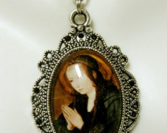 Virgin Mary pendant with chain - AP04--291