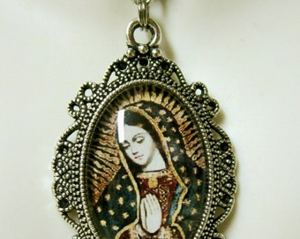 Our Lady of Guadalupe pendant with chain - AP04-115 Cusco style