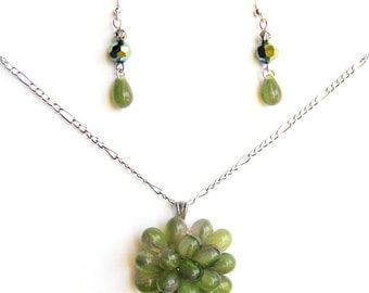Succulent Pendant Necklace Earrings Set- Moss Green Berry Necklace, Succulent jewelry set, Bead Cluster Necklace, Earthy Necklace, Gift Set