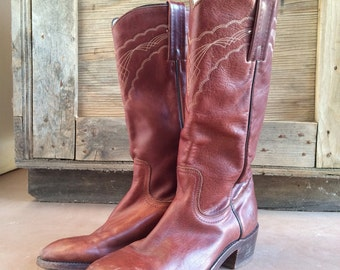 Vintage Men's 8.5 D burgundy brown Made in USA tall pull-on Frye cowboy boot, Frye Western Roper boot, Frye motorcycle boot