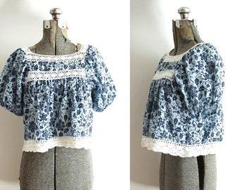 70s Boho Blouse / 1970s Blue Floral Batik Crochet Crop Top