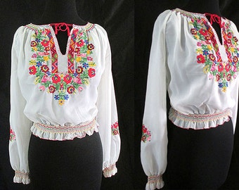 Beautiful Vintage Hand Embroidered Peasant Blouse w/ Hand Smocking Rockabilly Pinup Girl Bohemian Chic Vintage Folk Art Blouse Size-Medium