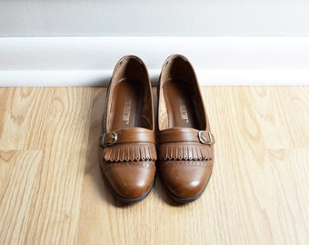 Shoes Skimmer Loafers / Brown Leather Fringe Buckle / Spectator / Fall Preppy Granny / 90s Vintage / Size 7 / Euro 37.5