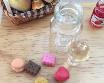 Miniature Cookies in Glass Jar Dollhouse 1:12 Scale Miniatures Style 8414