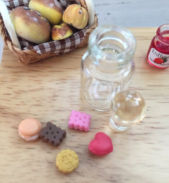 Miniature Cookies in Glass Jar, Dollhouse 1:12 Scale Miniatures Style 8416, Removable Lid With Mini Cookies, Dollhouse Food, Play Food