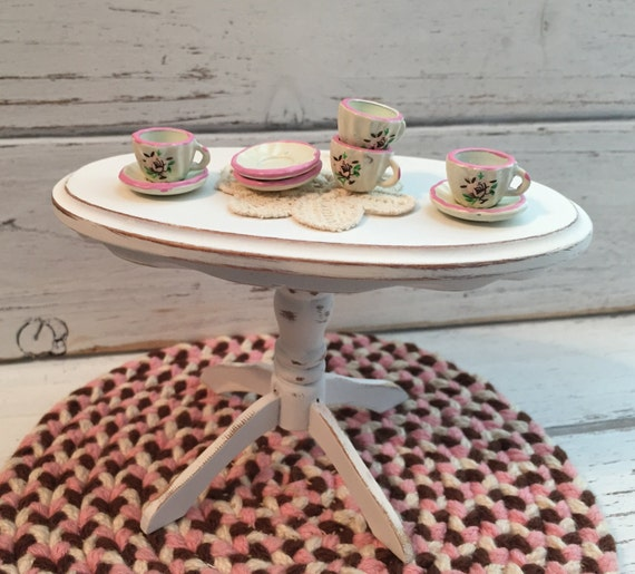 Miniature Metal Shabby Chic Cups and Saucers, Pink and White, Rose Design, Dollhouse Miniatures, 1:12 Scale, Dollhouse Dishes, Decor